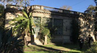 PALACIO EN LOTE DE 8320 M² – PLENO TEMPERLEY