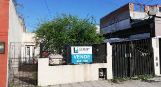 CASA 3 AMB. CON COCHERA Y PARQUE